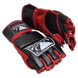 Профессиональные боевые перчатки для ММА (смешанных единоборств).