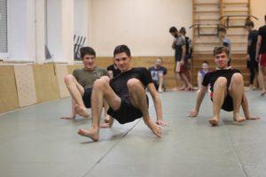 Групповые занятия в секции по ММА Tigris